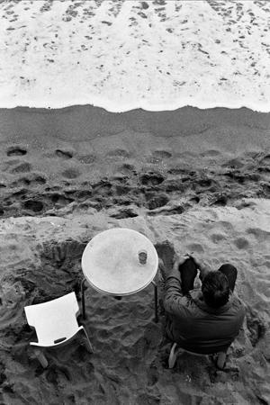 http://santacreu-moliner.com/files/gimgs/22_f-urb-27-espera-a-la-platja-2009-feb.jpg